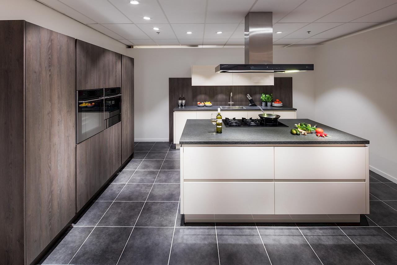 Grote collectie moderne keukens bij nuva keukens.