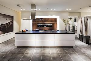 Laat je keuken ontwerpen door nuva keukens brede collectie for Zelf keukenontwerp maken