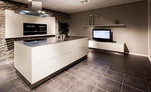Luxe Design Keuken : Een luxe keuken koop je bij nuva keukens. brede collectie.